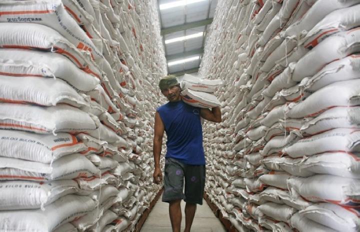 Bencana Banjir tidak Ganggu Distribusi Beras Bulog