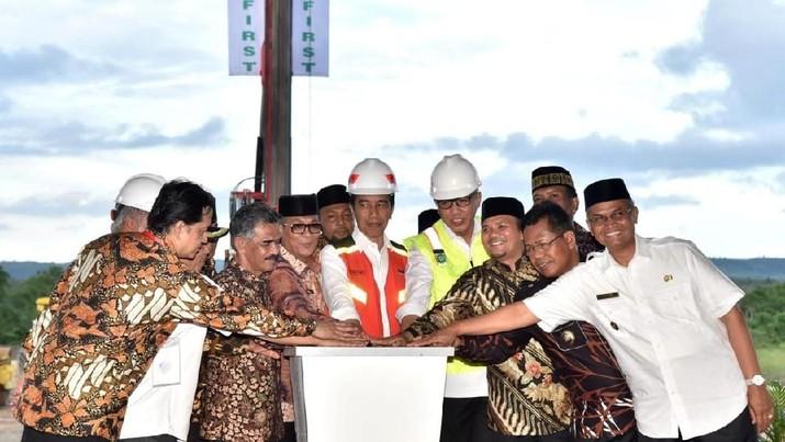 Pekanbaru sampai Aceh, Presiden Jokowi Cek Langsung Tol Trans Sumatera