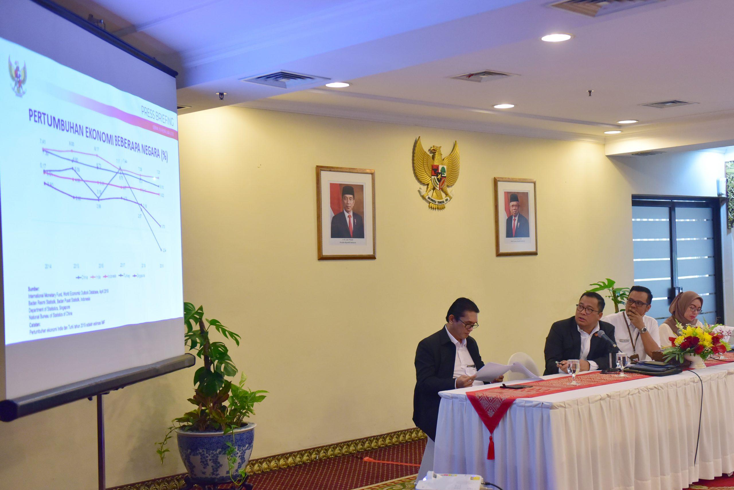 Stafsus Presiden Arif Budimanta Jelaskan Strategi Pendorong Pertumbuhan Ekonomi Tahun 2020