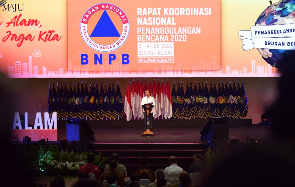 Presiden Apresiasi Petugas BNPB yang Selalu Sigap Selamatkan dan Ringankan Beban Korban Bencana