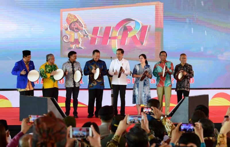 HPN, Jokowi Resmikan Taman Pers di Kalimantan Selatan