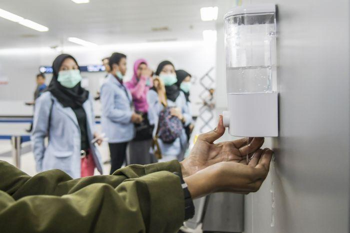 Pengecekan Suhu Tubuh Bakal Diterapkan di MRT dan Balai Kota
