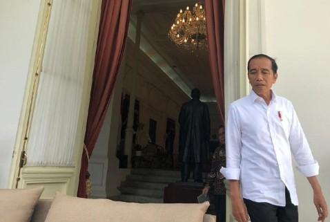 Jokowi Tegas! Minta Kapolri Tindak Penimbun Masker