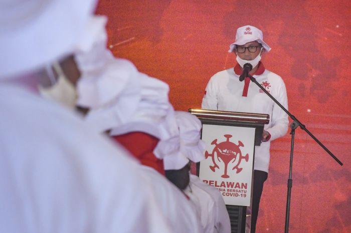Jokowi Mania-Sandiaga Uno Beri Bantuan ke Warga Bantargebang