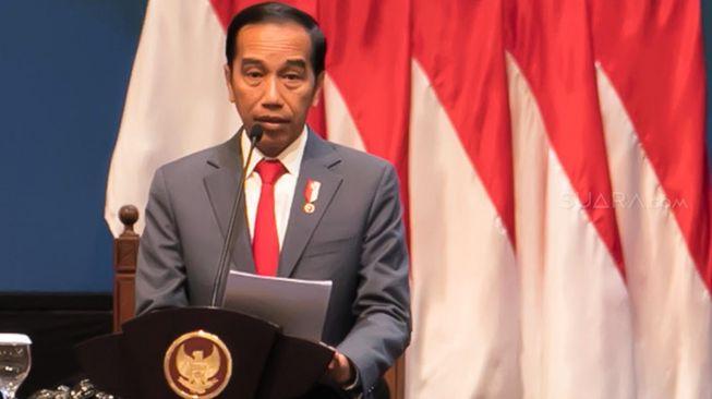 Jokowi: Pemerintah Akan Mengatur agar Kehidupan Berangsur Normal