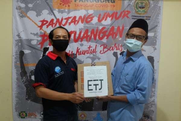 Perhimpunan Eropa untuk Indonesia Maju Distribusi Paket Sembako ke Warga Desa