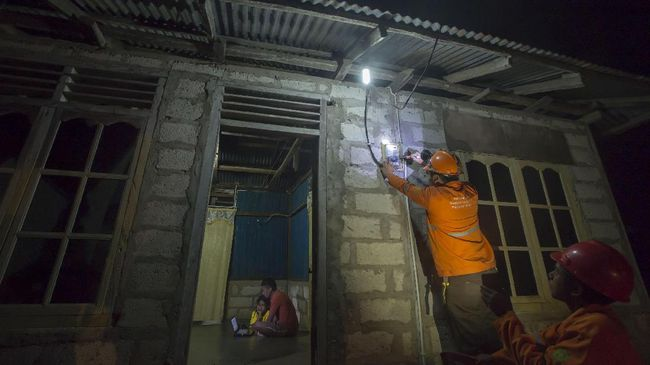 Warga Kaureh Papua Kini Nikmati Listrik 24 Jam
