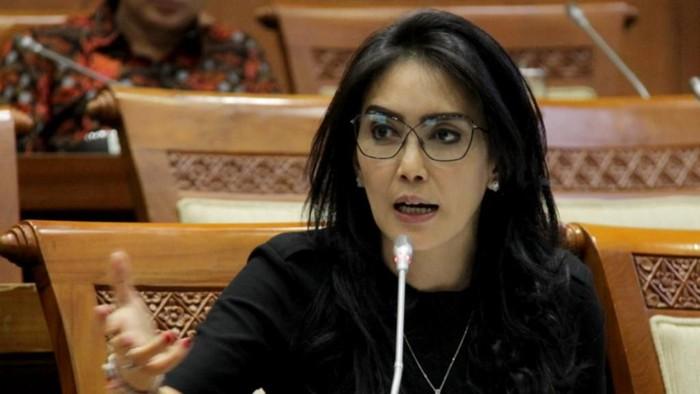 Geger RUU HIP, PDIP Copot Rieke Diah Pitaloka dari Baleg DPR