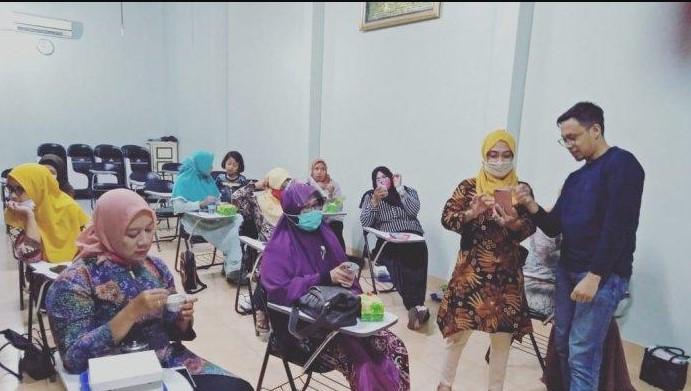 Komunikasi UPN Yogyakarta Gelar Literasi Media Promosi Bantu UMKM di Tengah Covid-19
