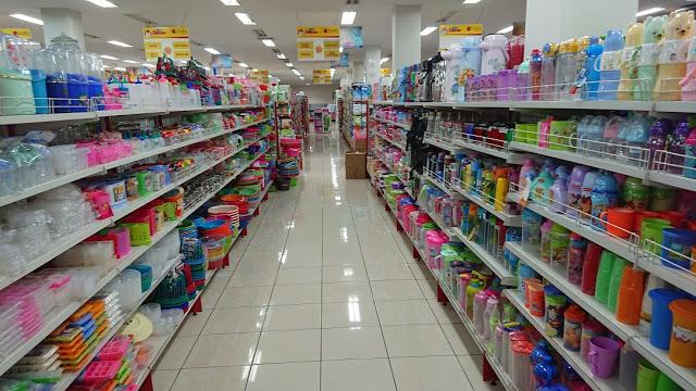 Fetty Kwartati : Efek Stimulus Pemerintah Angin Segar bagi Bisnis Toserba