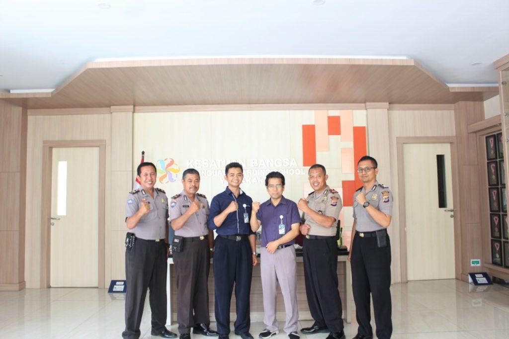 Cegah Radikalisme dan Terorisme, SMA Kesatuan Bangsa Yogyakarta Gandeng Polri adakan Seminar