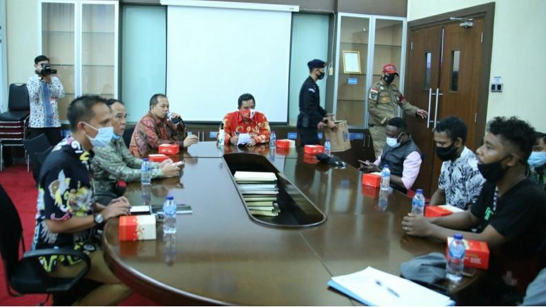 Aksi FMPI Menyampaikan Dukungan Terhadap Otonomi Khusus Jilid II.
