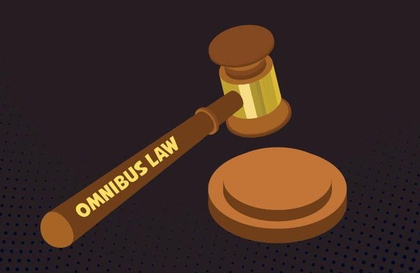 Sudah 75%, Omnibus Law Bisa Pangkas Aturan yang Hambat Investasi