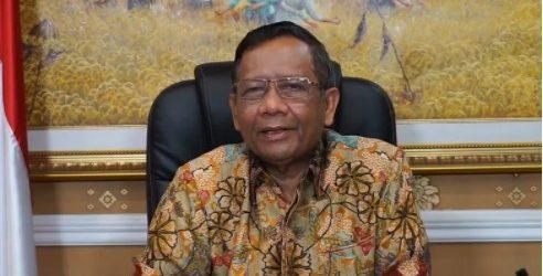Presiden Jokowi Beri Penghargaan ke Gatot Nurmantyo, Mahfud: Bukan untuk Membungkam