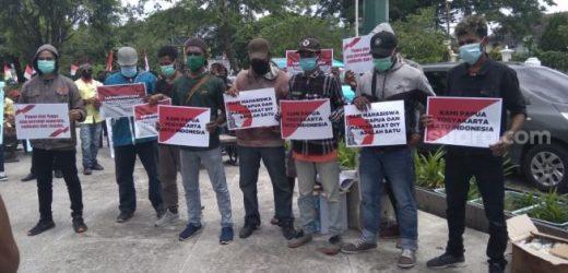Sedih Nusantara Terpecah, Massa di Titik Nol Serukan Persatuan