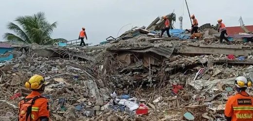 Stafsus Presiden: TNI Polri Ikut Mengawal Bantuan Bencana Alam Agar Tepat Sasaran