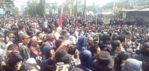 Mahasiswa Mendukung Pemerintah Membubarkan FPI