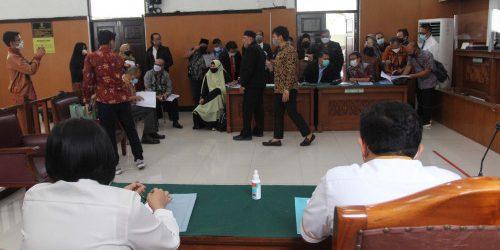 Habib Rizieq Kalah Telak di Pengadilan, Ternyata Polisi Cuma Bawa 2 Alat Ini Sebagai Bukti