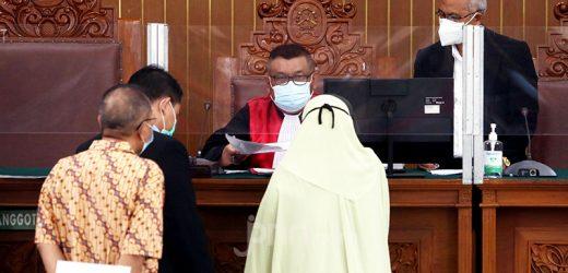 Tegas, Hakim Tolak Permintaan Tim Kuasa Hukum Habib Rizieq di Sidang