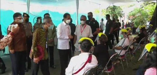 Didampingi Gubernur DIY, Jokowi Pantau Vaksinasi Seniman di PSBK Bantul