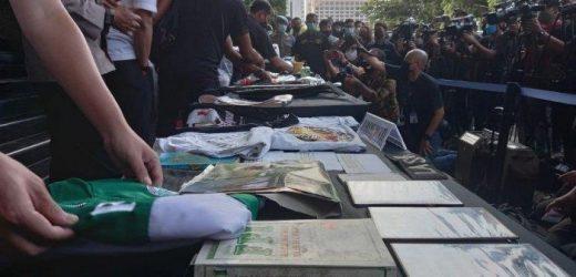 Polisi Temukan Atribut FPI Saat Geledah Rumah Tersangka Teroris di Condet