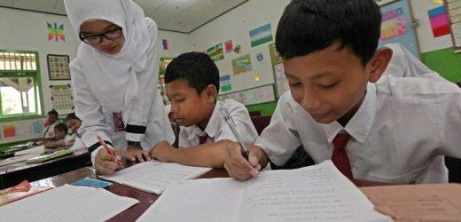 Semangat Siswa di Surabaya Ikut Vaksinasi: Pingin Cepat Sekolah Tatap Muka