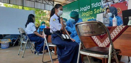 Vaksinasi Goes To School di Yogyakarta Targetkan 1.000 Pelajar dalam Sehari