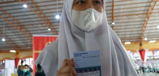 Percepat Penanganan Pandemi, Ratusan Pelajar-Santri Ponpes di Sleman Disuntik Vaksin