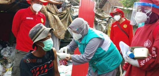 Ratusan Pemulung TPST Piyungan Ikuti Vaksinasi Covid